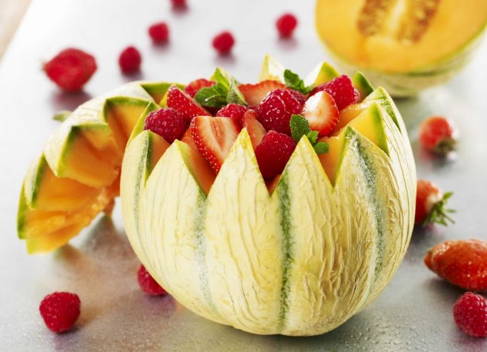 Melons surprises aux fruits rouges