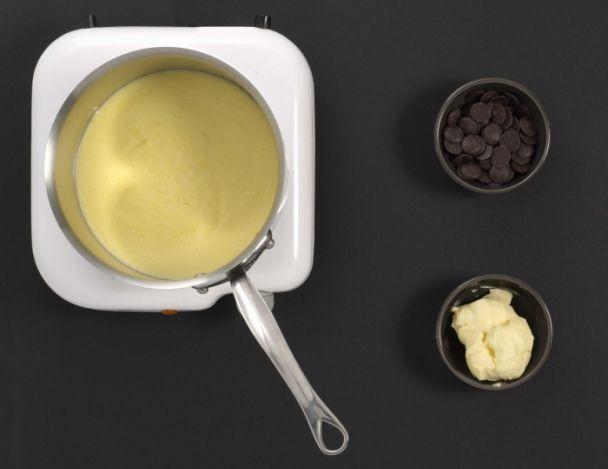 Préparation de la crème mousseline