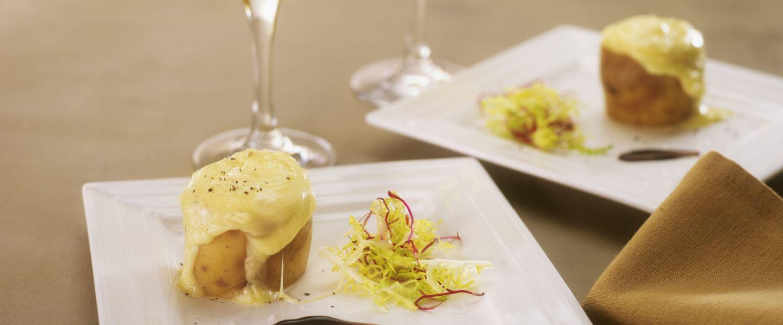 Recette de pommes de terre coulantes de mont d or vin jaune - Mont d or preparation ...