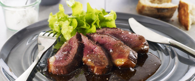 Recette de chef les plats indispensables pr sente sa recette magrets de canard l 39 orange - Cuisiner les aiguillettes de canard ...