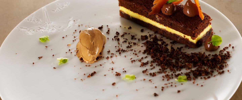 recette de chef yves mattagne pr sente sa recette tiramisu cake chocolat glace moka tuile. Black Bedroom Furniture Sets. Home Design Ideas