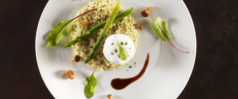 recette de chef yves mattagne pr sente sa recette risotto asperges vertes girolles parmesan. Black Bedroom Furniture Sets. Home Design Ideas