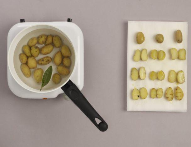 recette d 39 escargots aux herbes dans un bouillon pistach. Black Bedroom Furniture Sets. Home Design Ideas