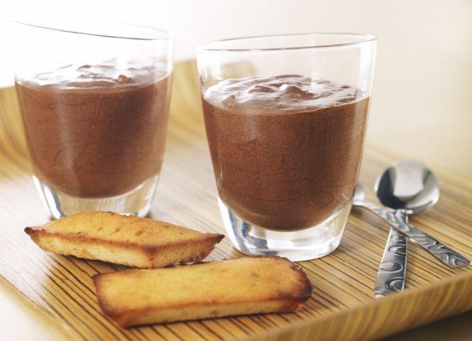 recette de la mousse au chocolat noir par le chef jean pierre vigato. Black Bedroom Furniture Sets. Home Design Ideas